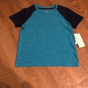 🔸$4 Bundle Deal 🔸NWT boys dry fit shirt
